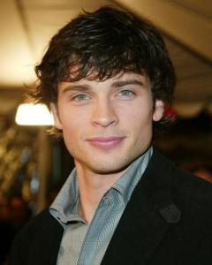 https://hairstylespic.files.wordpress.com/2011/04/tom-welling-wedgecut.jpg?w=240