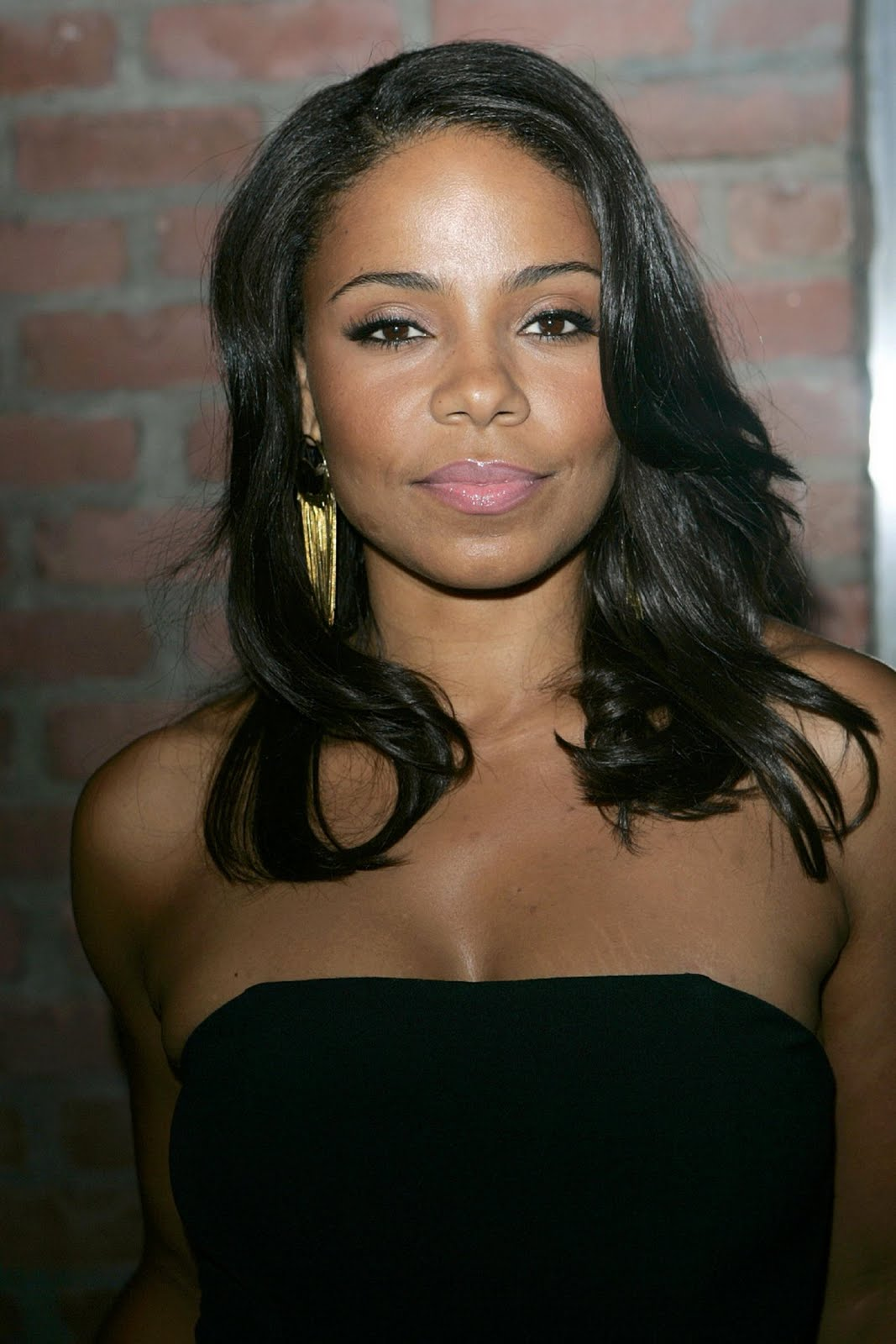 Sanaa Lathan Medium Length Black Curly Hairstyles Hairstyles Pictures