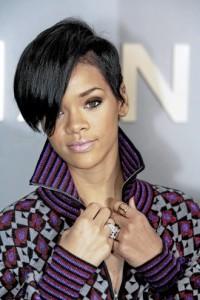 https://hairstylespic.files.wordpress.com/2011/08/short-black-haircut-rihanna-black-angled-bob-hairstyle-330x495.jpg?w=200