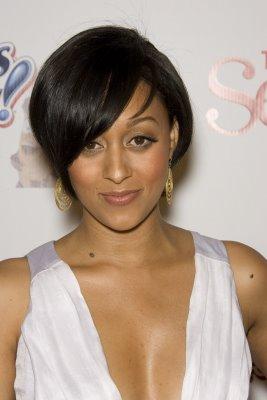 http://2.bp.blogspot.com/_LaCNOA0IwTI/TOK4dEixKJI/AAAAAAAAAK8/wPca_lVG0-o/s1600/short+black+hair+styles+for+women3.jpg