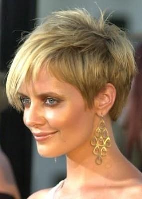 http://1.bp.blogspot.com/-wmO7JaaHclQ/TbuYbPHvnSI/AAAAAAAAAF8/JHfwH1MUSKs/s1600/Short+Haircuts+Styles+%25281%2529.jpg