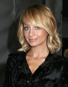 https://hairstylespic.files.wordpress.com/2011/09/mediumhairstyle.jpg?w=237