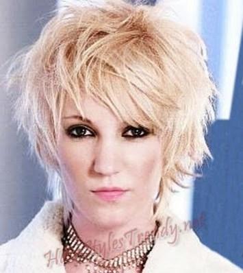 http://2.bp.blogspot.com/-ZlnRW7PffnQ/TiAoJhvz4QI/AAAAAAAAA94/T5AzgY-4atM/s1600/haircuts+for+short+hair+2011+4.jpg