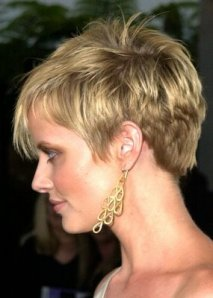 https://hairstylespic.files.wordpress.com/2011/11/cute-short-hairstyles-05.jpg?w=213