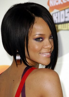 http://4.bp.blogspot.com/-bjRKYzn84LA/TcPAlFDt9sI/AAAAAAAAA_E/BBodu8Wvzdk/s1600/rihanna_straight_short_hairstyle_by_rihanna_2.jpg